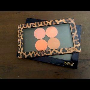 Makeup Geek Blush AND a Z palette